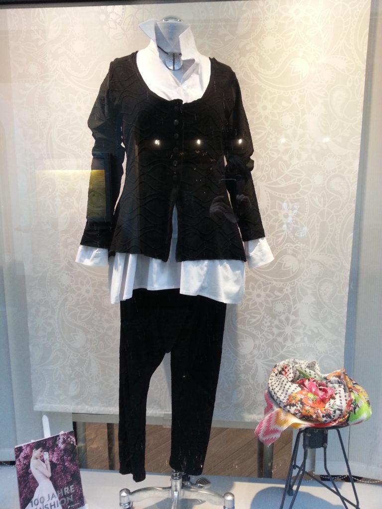 Schwarz Weiß Outfit von Lily White